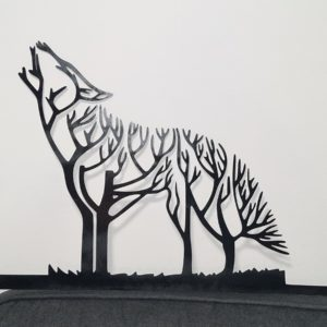 Wolf tree howling